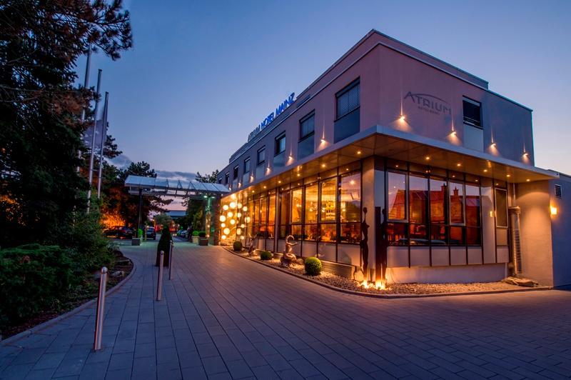 atrium hotel mainz mainz der varta f hrer top hotels und restaurants in deutschland. Black Bedroom Furniture Sets. Home Design Ideas