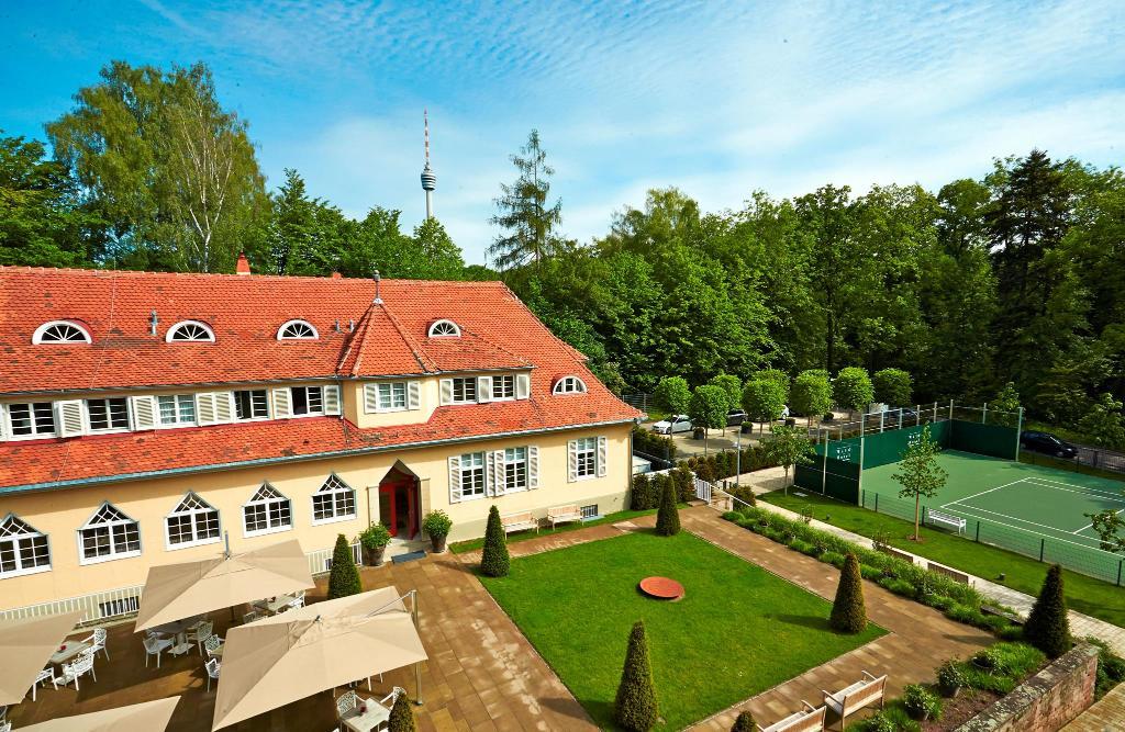 waldhotel stuttgart stuttgart der varta f hrer top hotels und restaurants in deutschland. Black Bedroom Furniture Sets. Home Design Ideas