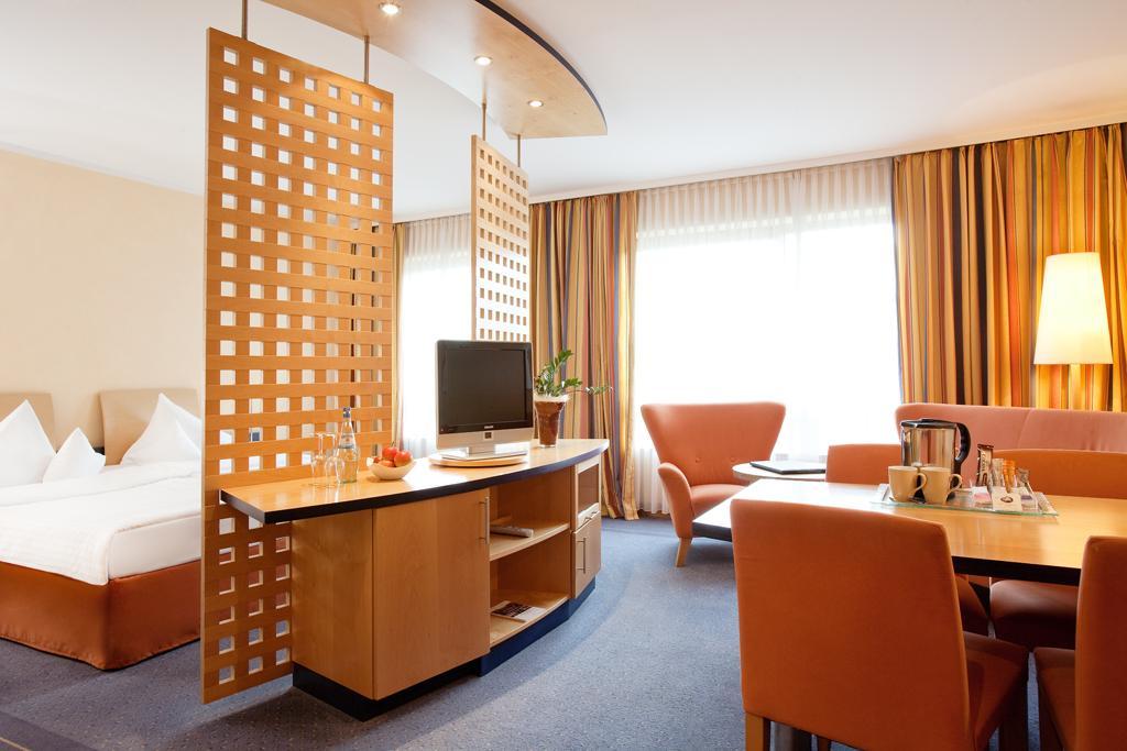 steigenberger hotel remarque osnabr ck der varta f hrer top hotels und restaurants in. Black Bedroom Furniture Sets. Home Design Ideas