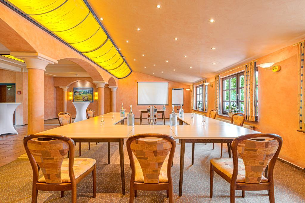 pfefferm hle siegen der varta f hrer top hotels und restaurants in deutschland. Black Bedroom Furniture Sets. Home Design Ideas