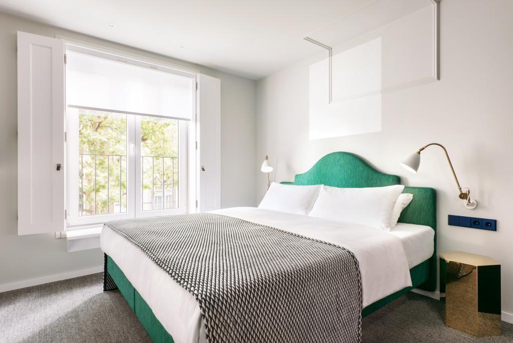 the fritz hotel d sseldorf der varta f hrer top hotels und restaurants in deutschland. Black Bedroom Furniture Sets. Home Design Ideas