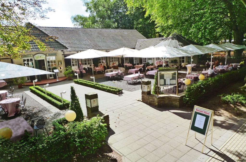 restaurant landhaus kuckuck k ln der varta f hrer top hotels und restaurants in deutschland. Black Bedroom Furniture Sets. Home Design Ideas
