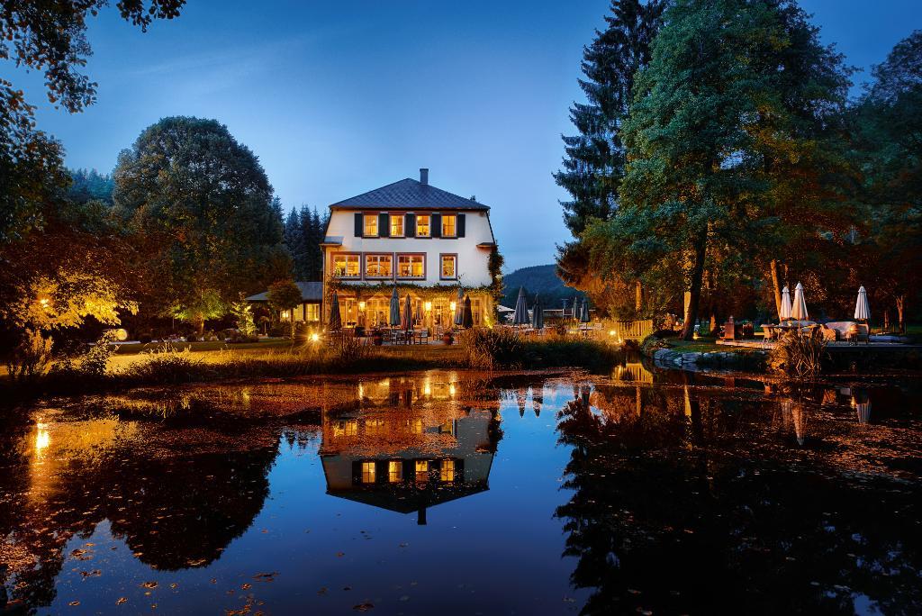 r ssels landhaus naurath wald der varta f hrer top hotels und restaurants in deutschland. Black Bedroom Furniture Sets. Home Design Ideas
