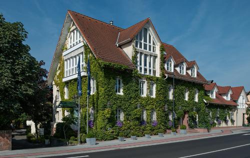 Zeller Hotel + Restaurant