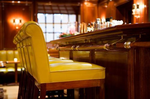 Piano Bar im Excelsior Hotel Ernst