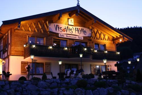Vis à Vis-Hütte