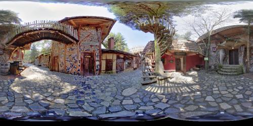 Baumstammlokal in der Geheimen Welt von Turisede