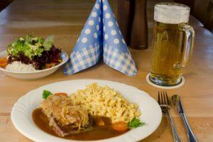 Zünftige Mahlzeit im Landgasthof Goldener Schwanen in Mauerstetten - Frankenried
