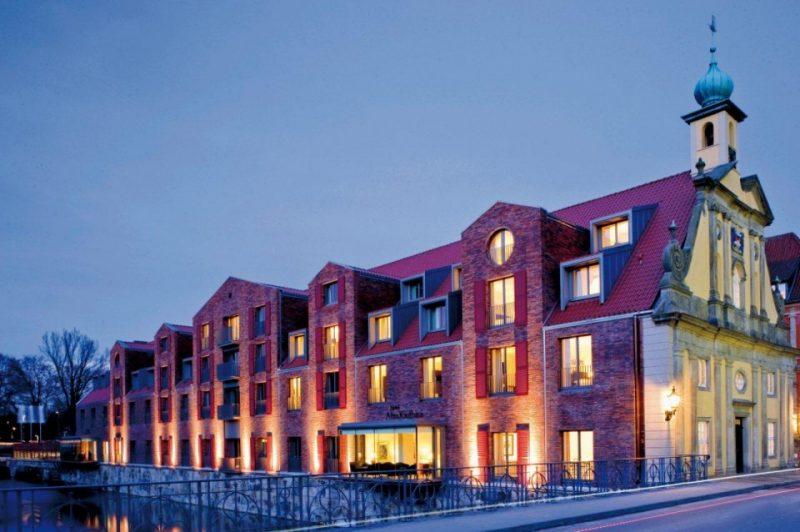 Abendlicher Blick auf das Hotel Altes Kaufhaus in Lüneburg