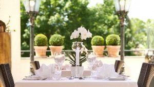 Romantik-Angebot im Landromantik Wellness Hotel Oswald in Teisnach, Bayrischer Wald, Tischgedeck