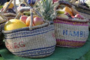 Obst in Körben vom Hamburger Fischmarkt