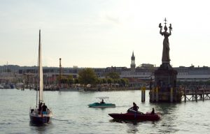 Freizeitboote im Hafen in Konstanz