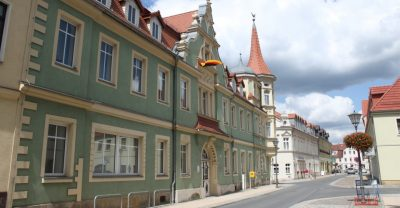 Am Rathaus von Elsterwerda in der Elbe-Elster-Region