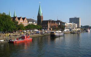 Die Schlachte an der Weser in Bremen bietet viele Restaurants