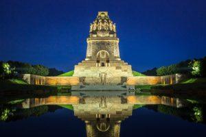 Das Völkerschlachtdenkmal ist die weithin sichtbare Landmarke mit markanter Silhouette in Leipzig