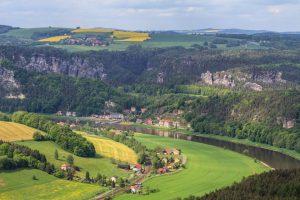 Blick auf Rathen in der Sächsischen Schweiz