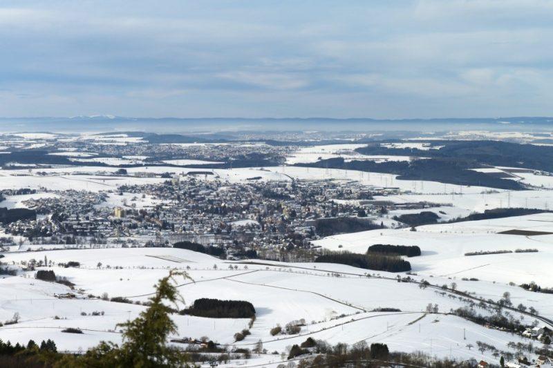 Ausblick vom Klippeneck - Schneelandschaft auf Rottweil