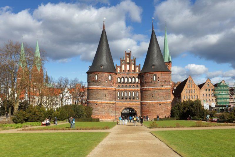 Lübeck Holstentor vor der Altstadt von Lübeck