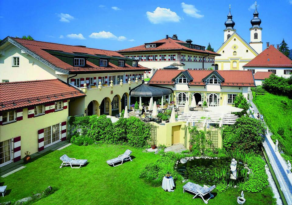 Heinz Winkler: Aussenansicht Hotel Residenz mit Restaurant Heinz Winkler