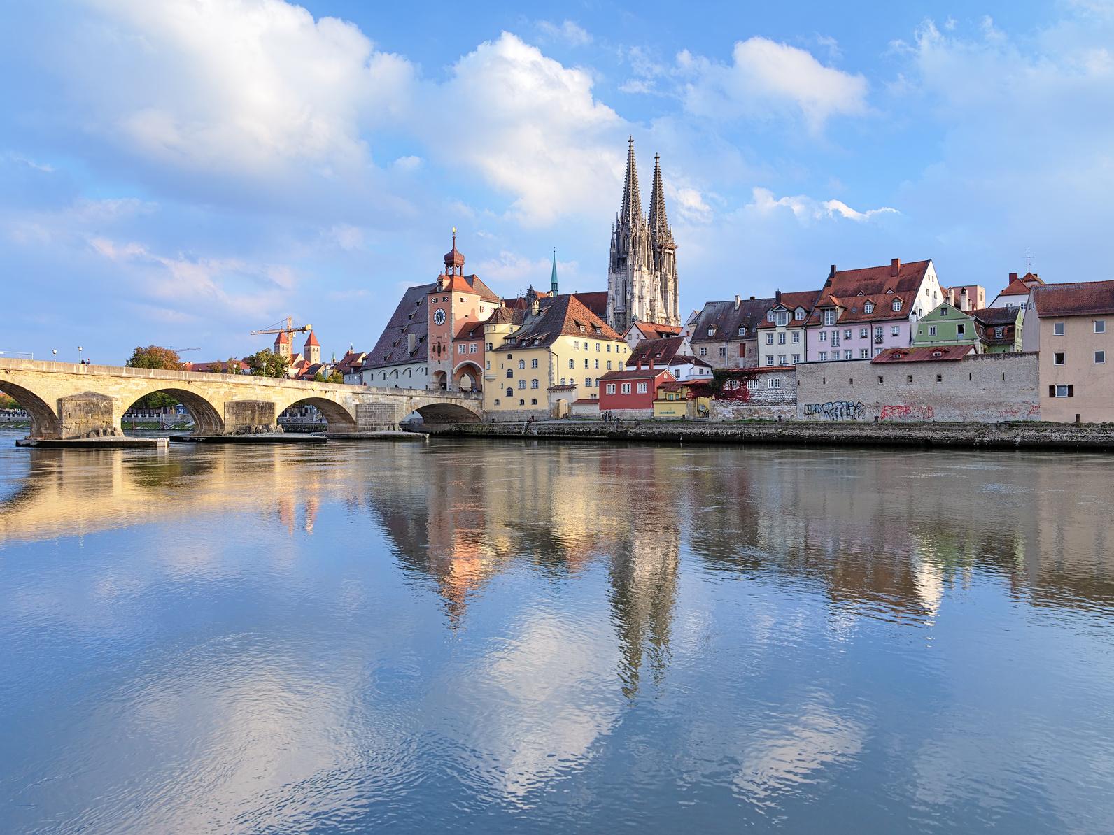 Altstadt Regensburg: steinerne Brücke