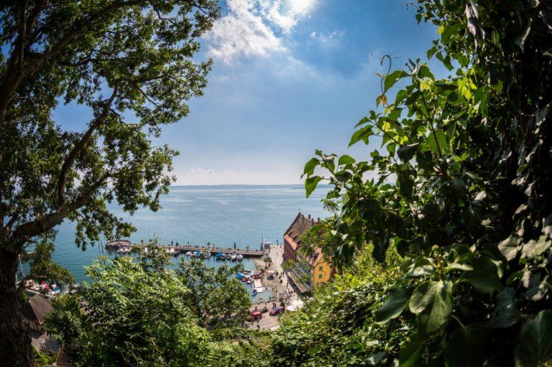Meersburger Hafen im Sommer