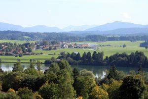 Blick auf Urspring und den oberen Lechsee