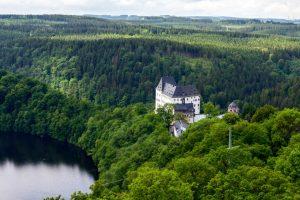 Schloss Burgk an der Talsperre Burgkhammer im Vogtland