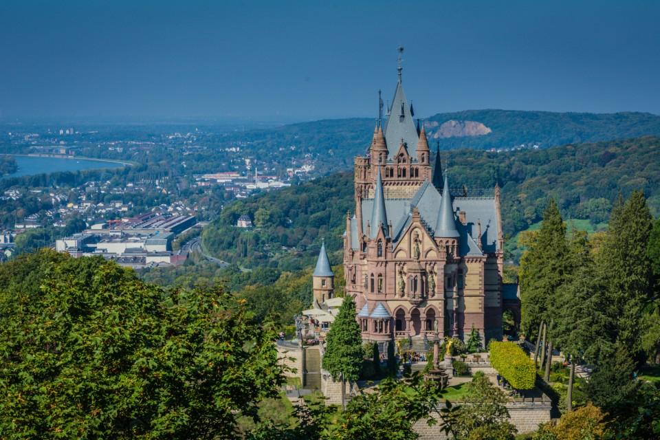 Schloss Drachenburg in Königswinter - Rhein-Radweg