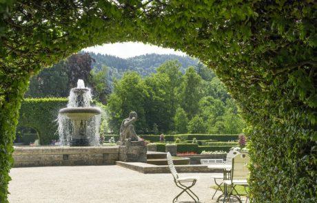 Springbrunnen im Rosengarten in Baden-Baden