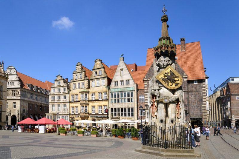Bremen Marktplatz mit Roland vor Rathaus