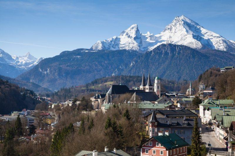 Blick auf Berchtesgaden und die Alpen