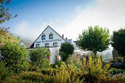 Hotels in Ockfen-Saar: Weinhotel Klostermühle, Aussenansicht