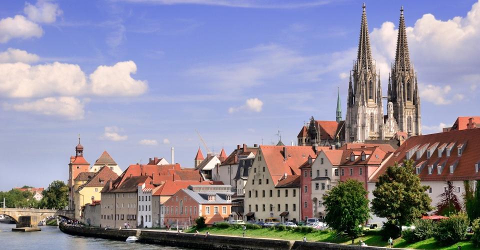 Blick auf die Alstadt von Regensburg an der Donau