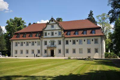 Wald und Schlosshotel Friedrichsruhe (in Zweiflingen), Aussenansicht Jagdschloss