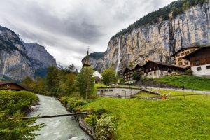 Staubbach-Wasserfall in Lauterbrunnen/Schweiz