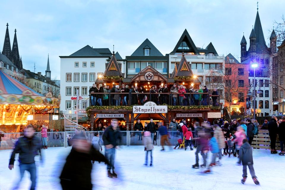 Heimat der Heinzel / Eisbahn auf dem Heumarkt Köln 2014