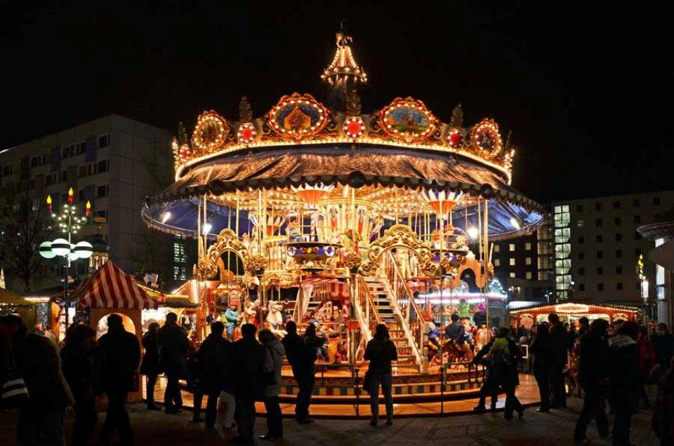 Leipziger Weihnachtsmarkt.Weihnachtsmarkt Historisches Riesenrad Leipzig Der Varta