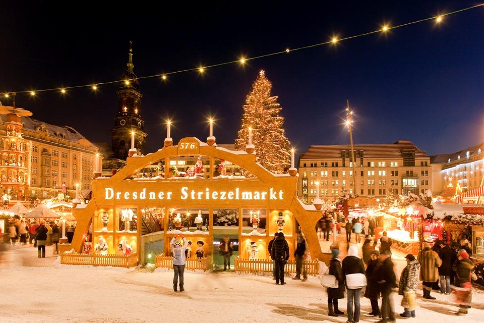 Weihnachtsmarkt In Dresden.584 Dresdner Striezelmarkt Der älteste Weihnachtsmarkt Deutschlands