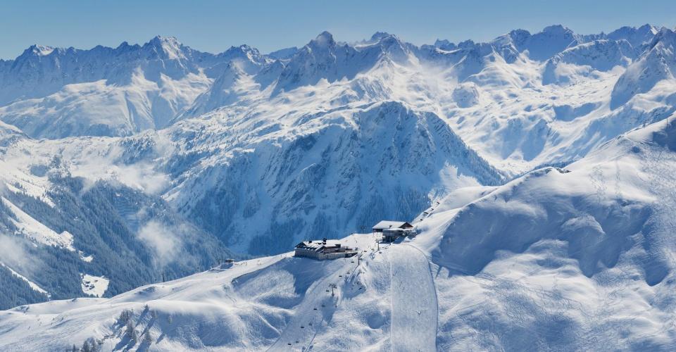 Montafon Luftaufnahme auf das Skigebiet Nova Stoba Hütte