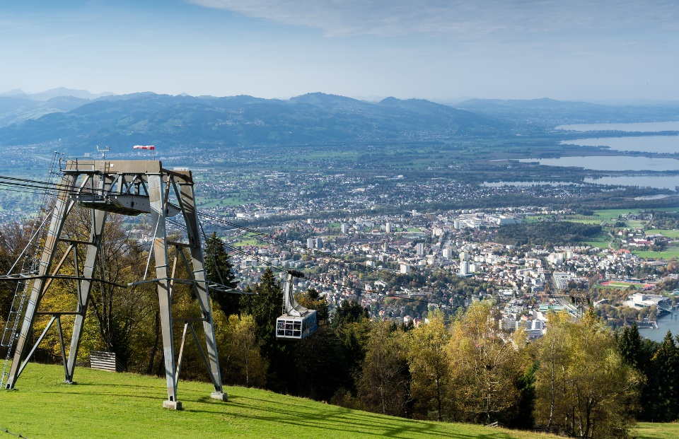 Bregenz Bergbahn mit Bodenseeblick