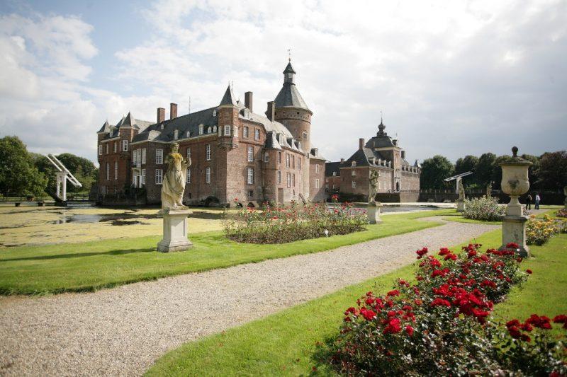 Schloss Anholt im Sommer
