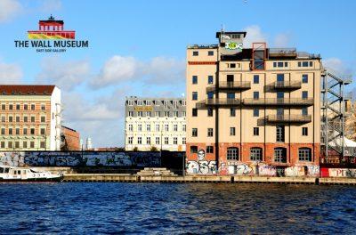 mauermuseum archiv der varta f hrer top hotels und restaurants in deutschland. Black Bedroom Furniture Sets. Home Design Ideas
