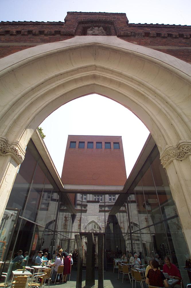 Kunsthalle St. Annen Portal