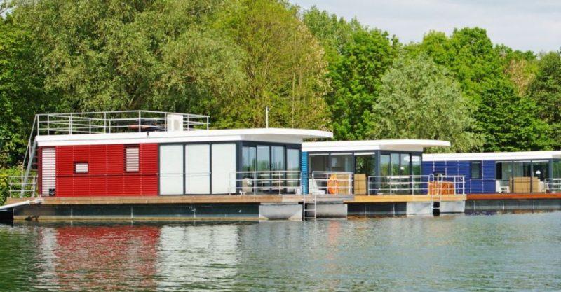 schwimmende ferienh user die floating houses an der. Black Bedroom Furniture Sets. Home Design Ideas