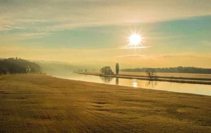 Sonnenaufgang Dresden an der Elbe