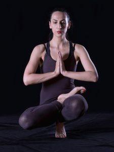 Übung beim Bikram Yoga