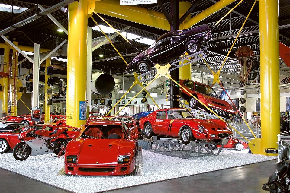 Sportwagen-Ausstellung im Auto & Technik Museum Sinsheim