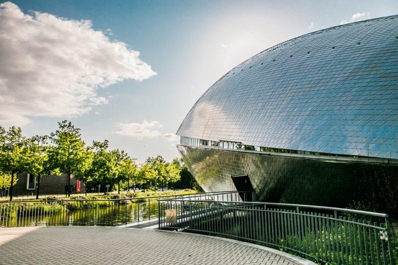 Außenansicht vom Universum Bremen