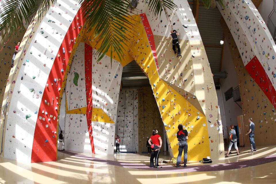 Kletterhalle, Indoor-Freizeit-Tipps