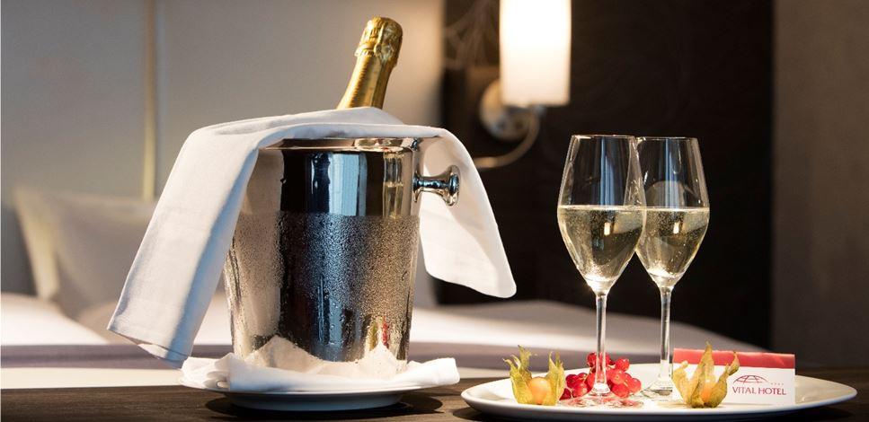 Champagnergruß auf dem Zimmer